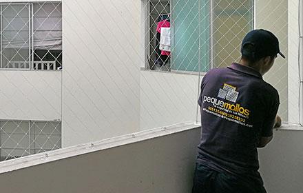 Pequemallas mallas protectoras para ni os y mascotas - Proteccion escaleras ninos ...